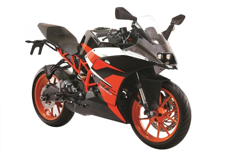 KTM RC200 Black colour variant front quarter