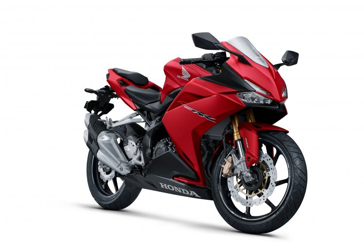 Honda CBR250RR 2018 Red Launched in Indonesia front quarter