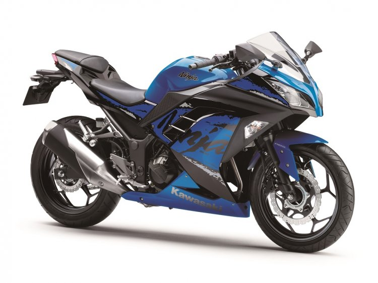 Kawasaki Ninja 300 2018 blue left quarter
