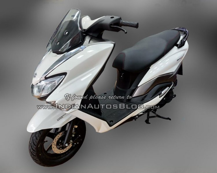 Suzuki Burgman Street spied at showroom left front quarter