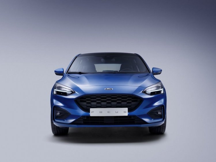 2018 Ford Focus front