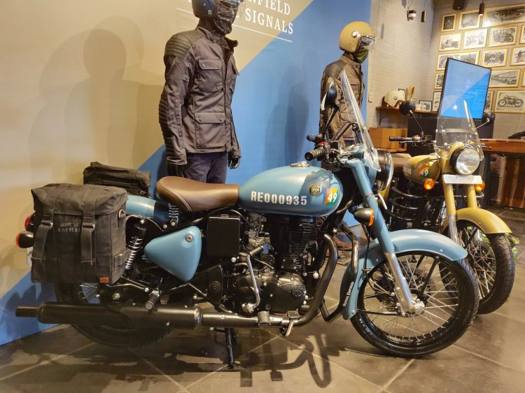 royal enfield classic 350 signals edition airborne blue side profile