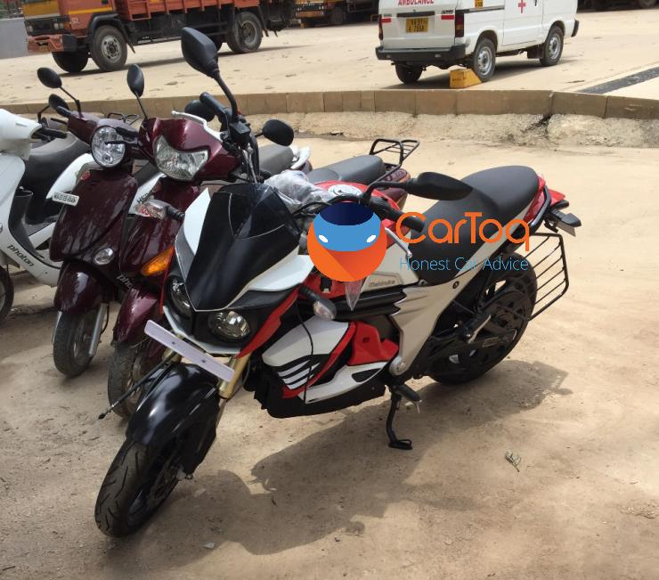 mahindra mojo electric motorcycle spied in India