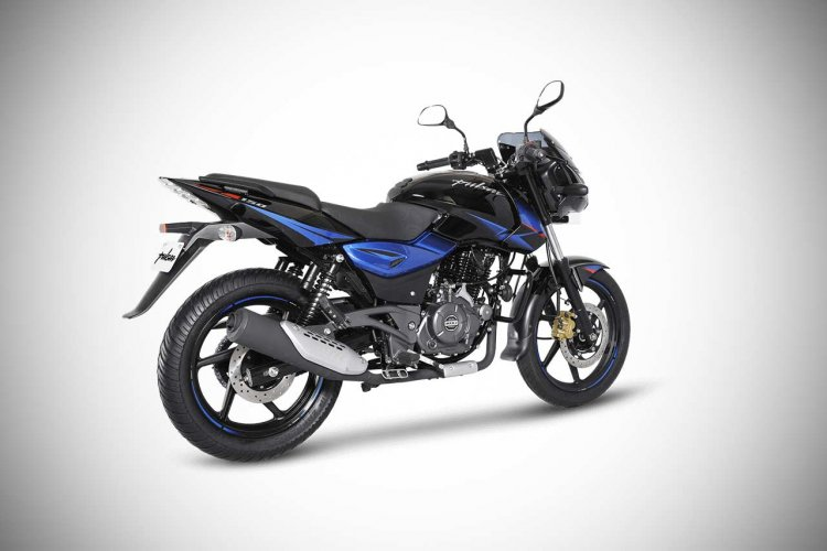 Bajaj Pulsar 150 Twin Disc rear right quarter profile