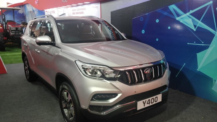 Mahindra Rexton front showcased AGM