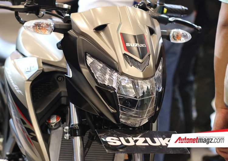 Suzuki GSX150 Bandit at GIIAS 2018 LED headlamps