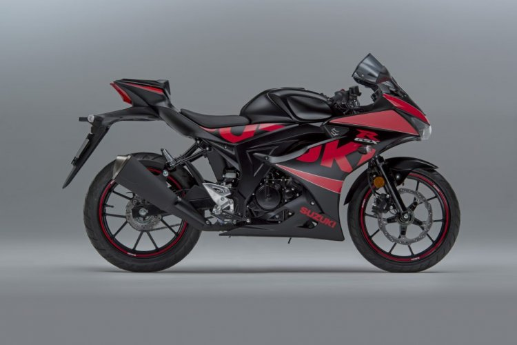 Suzuki GSX-R125 Accessory Pack and Graphics Kit side profile