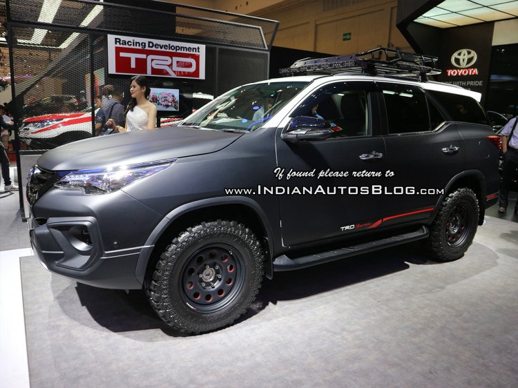Toyota Fortuner TRD Matte Dual-Tone side