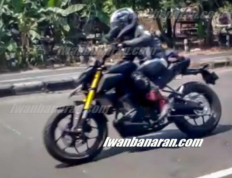 Yamaha Xabre 150 facelift 2019 spy image side profile