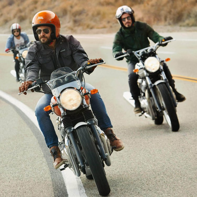 Royal Enfield Interceptor INT 650 Riding Shots Front
