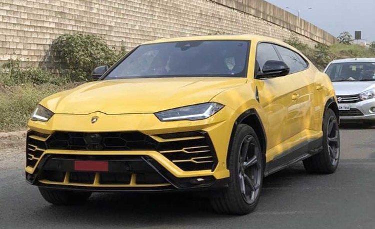 Lamborghini Urus Pune Giallo Evros