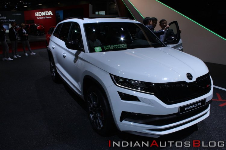 Skoda Kodiaq Rs At Paris Motor Show Front Right Qu