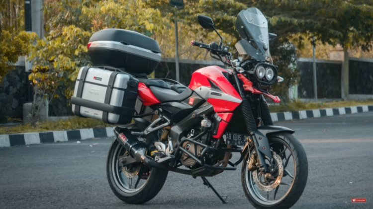 Bajaj Pulsar Ns200 Adventure Front Right Quarter