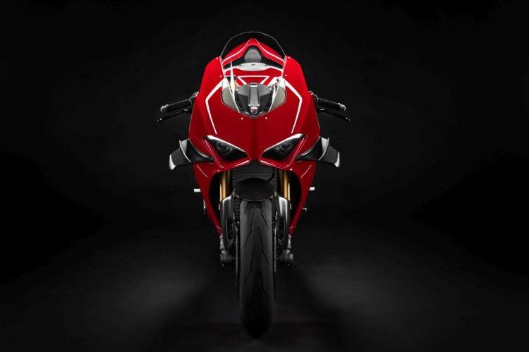 2019 Ducati Panigale V4 R Studio Shots Front