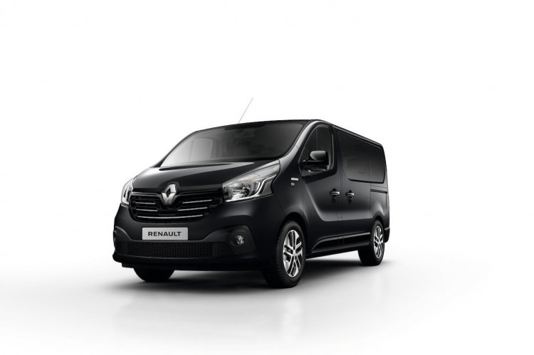 Renault Trafic Front Three Quarters