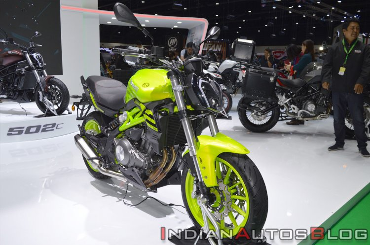 Benelli 302s Front Right Quarter Thai Motor Expo 2