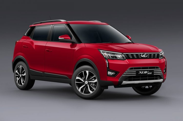 Mahindra Xuv300 Images Front Three Quarters 1