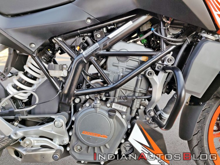 Ktm 125 Duke Abs Review Detail Shots Engine And Frame
