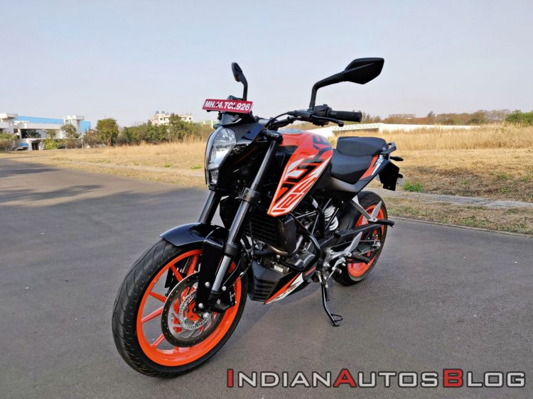 Ktm 125 Duke Abs Review Still Shots Left Front Qua