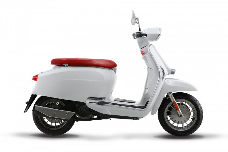 Lambretta V200 Side Profile