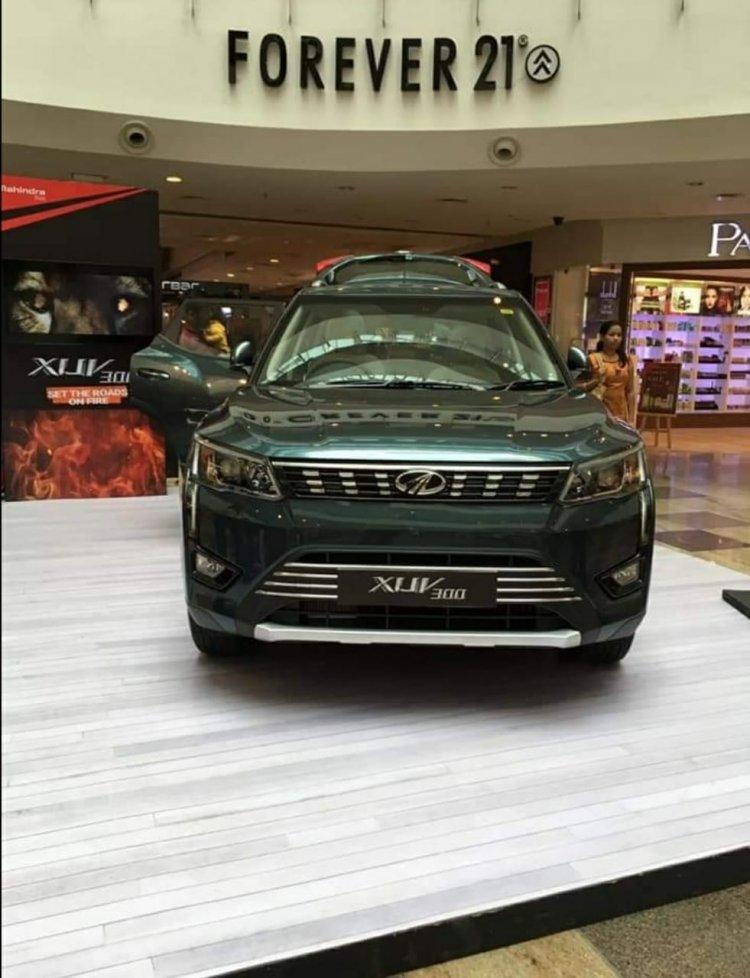 Mahindra Xuv300 W8 Front