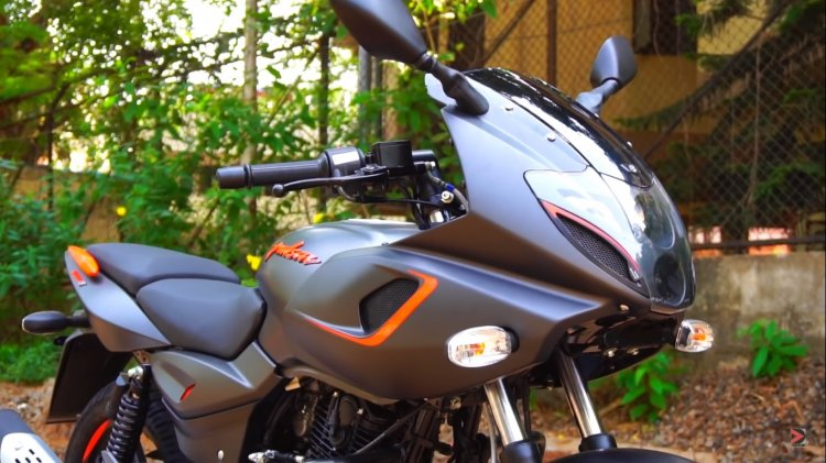 Bajaj Pulsar 180f Neon Orange Right Front Quarter