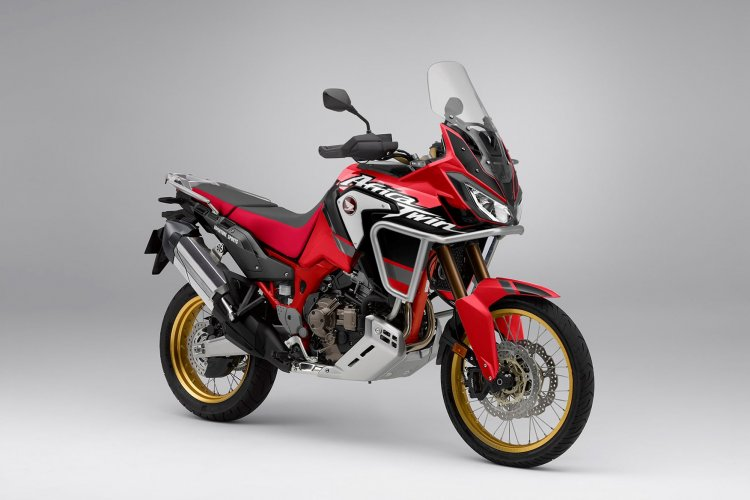 2020 Honda Africa Twin Render Right Front Quarter