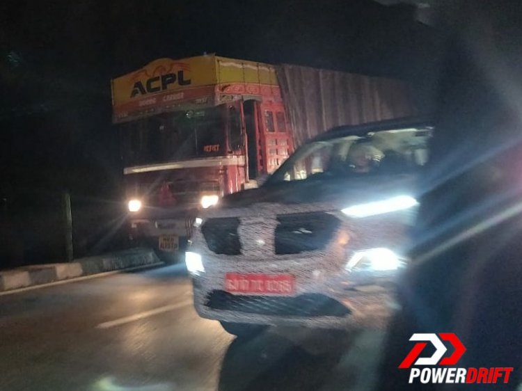 Mg Hector Front Lights Night Spy Shot