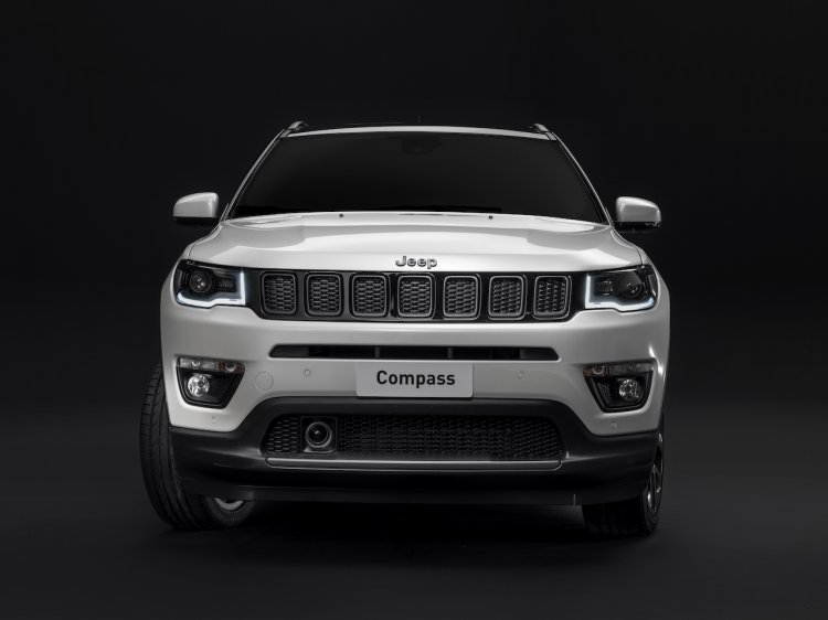 Jeep Compass S Front