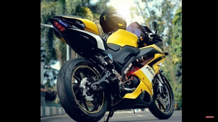 Yamaha R15 Extreme Modification Right Rear Quarter