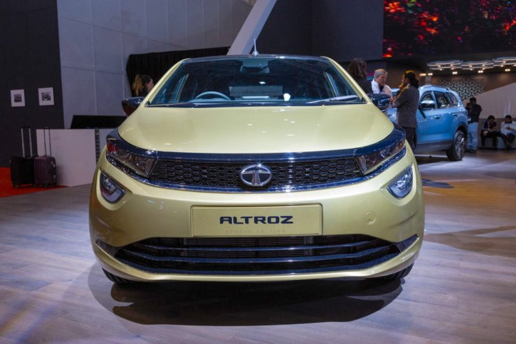 Tata Altroz Front Live Image