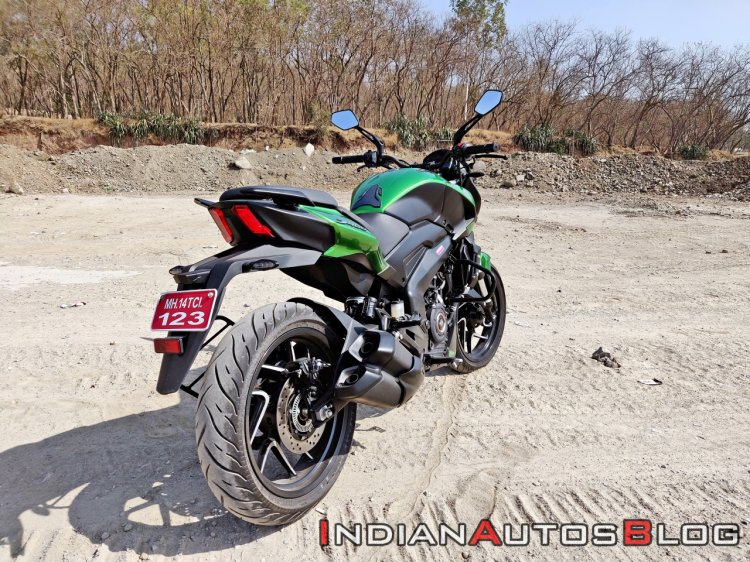 2019 Bajaj Dominar 400 Review Still Shots Right Re