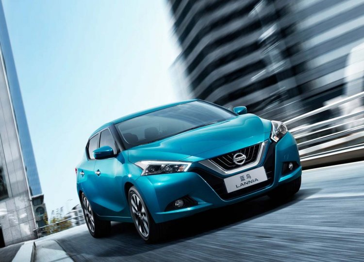 2016 Nissan Lannia Front Three Quarters Image