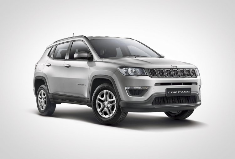 Jeep Compass Sport Plus Front Three Quarters