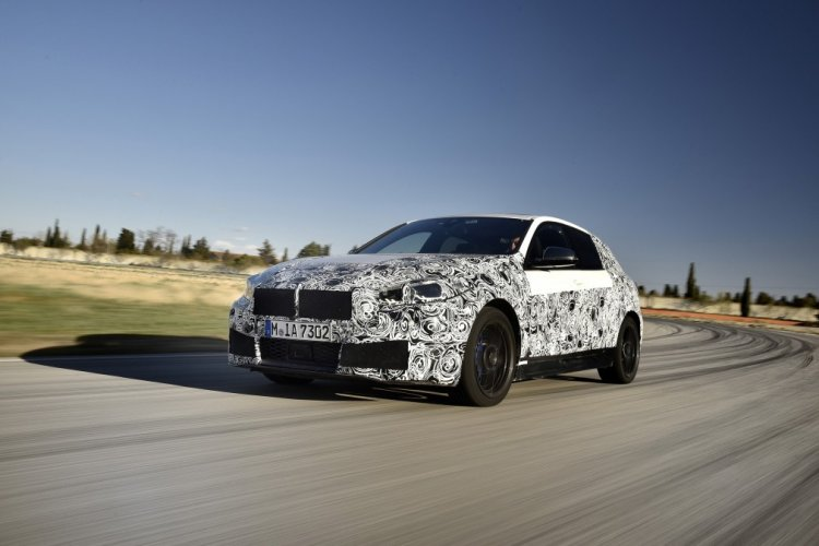 2020 Bmw 1 Series Spyshot Front Quarter