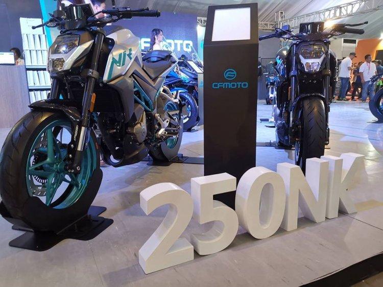 Cf Moto 250nk At An Auto Show