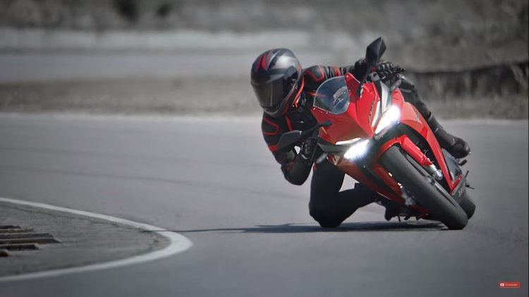 2019 Honda Cbr250rr Riding Shot Cornering