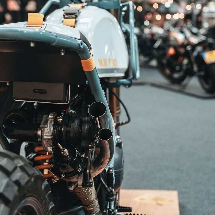 Modified Royal Enfield Himalayan With Turbo Right