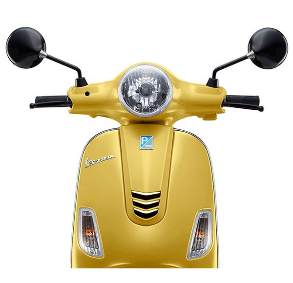 Vespa Urban Club Glossy Yellow Front