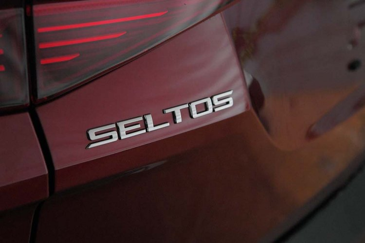 Kia Seltos Images Rear Badge