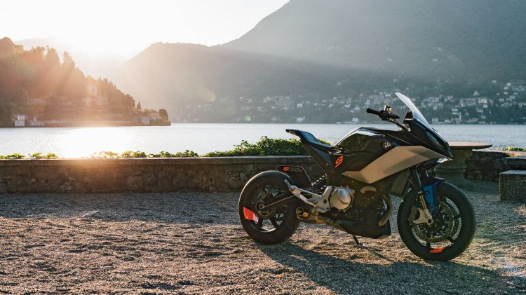 Bmw Concept 9cento Press Images Right Front Quarte