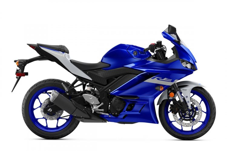 2020 Yamaha YZF-R3 Side Profile Studio Icon Blue