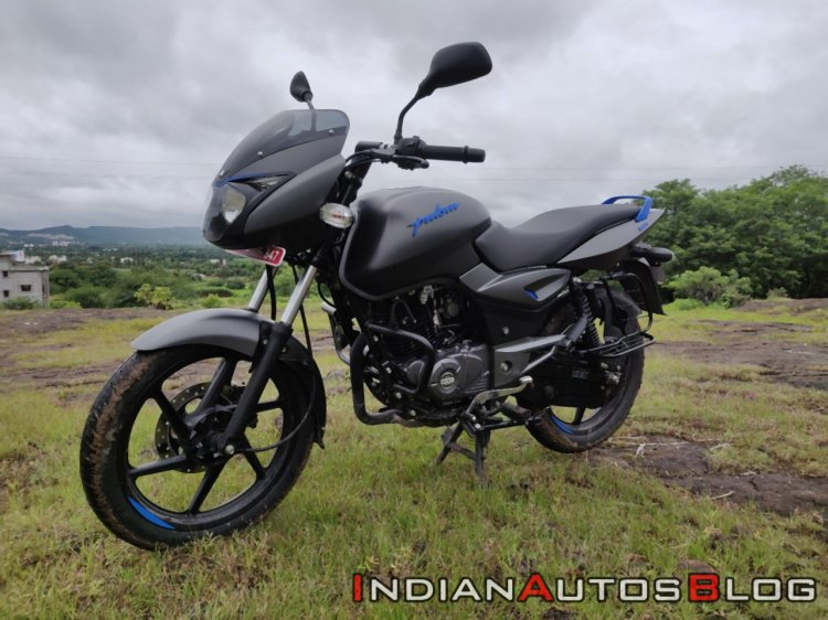 Bajaj Pulsar 125 Detail Shots Left Front Quarter