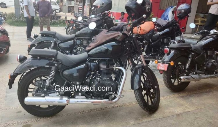 2020 Royal Enfield Thunderbird X Spied Right Side