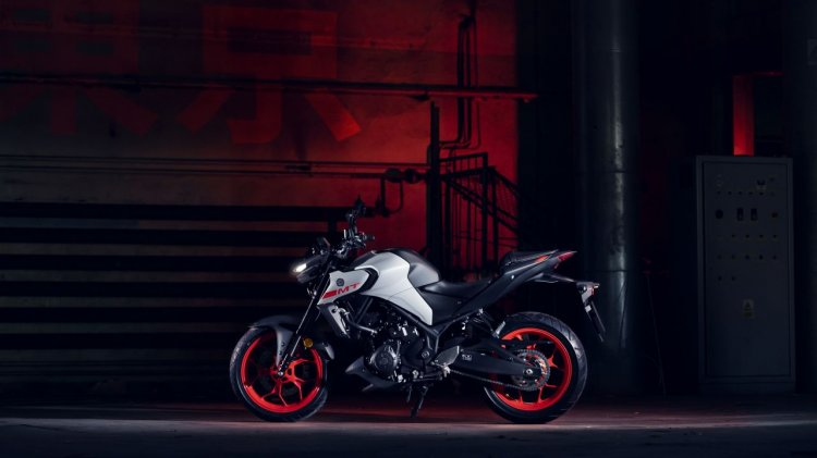 2020 Yamaha Mt 03 Static Shots Left Side