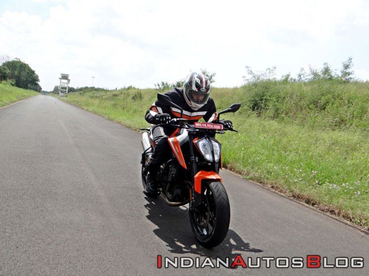 Ktm 790 Duke First Ride Review Action Shots Front