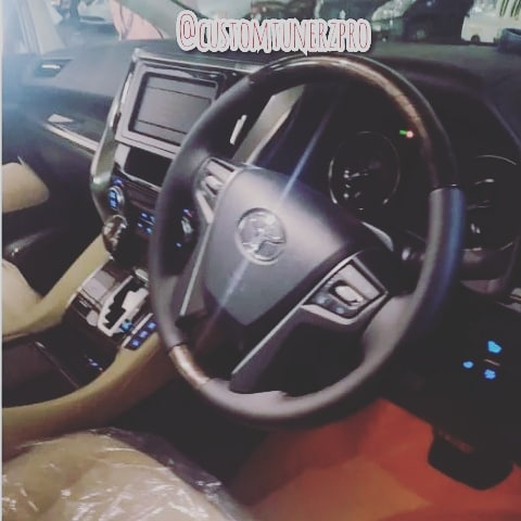 Toyota Vellfire Steering Wheel
