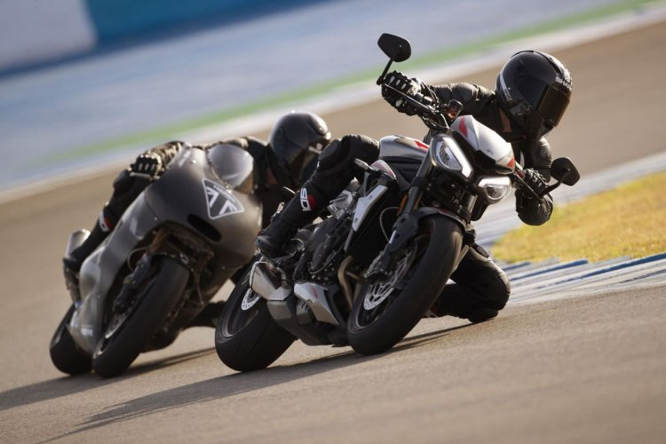 2020 Triumph Street Triple Rs Action Shots Left Fr