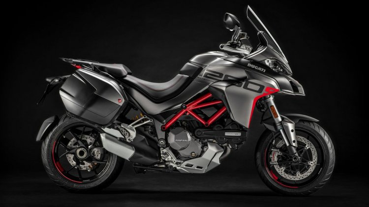 Ducati Multistrada 1260 S Grand Tour Studio Shots