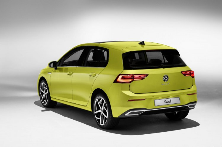 2020 Vw Golf Rear Three Quarters